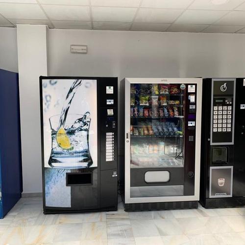 Instalación de máquinas vending de café, snack, refrescos y agua en Almería