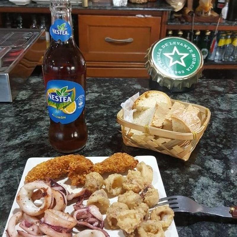 Almuerzo: Especialidades de Café Bar Restaurante El Remolino