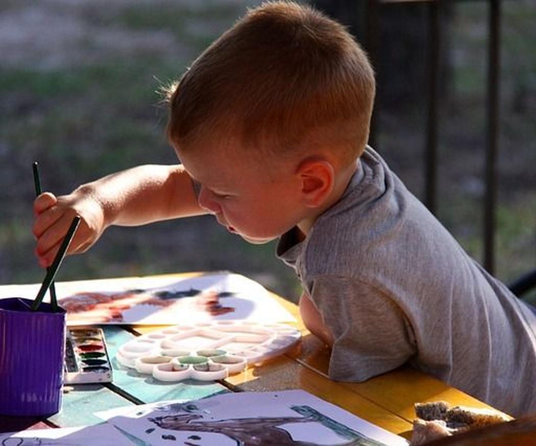 Los beneficios que aporta pintar en familia