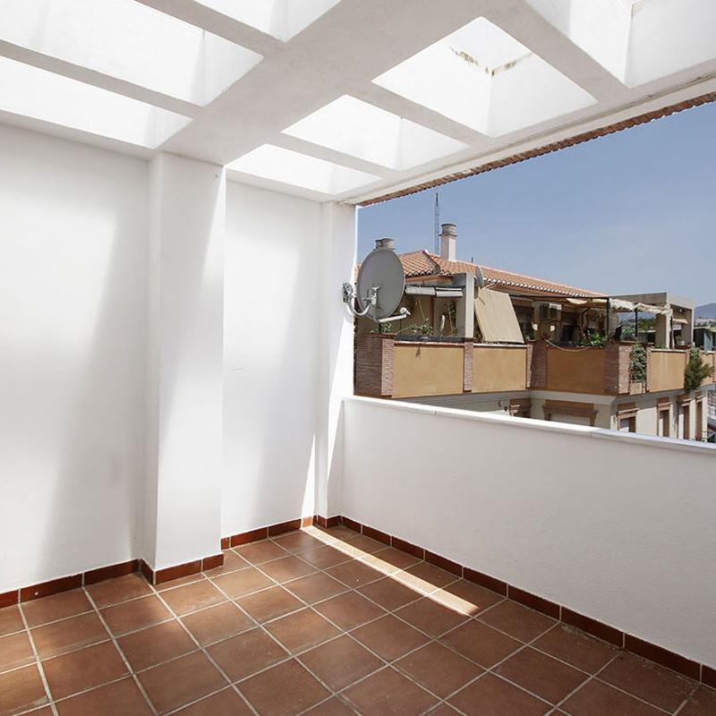 Ogijares. Plaza Alta. Atico con 2 dormitorios dobles, salon, terraza con vi: Inmuebles de JP Inmobiliaria