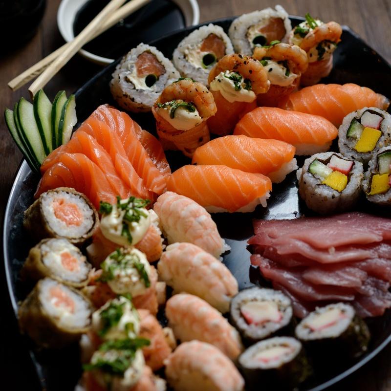 Bandejas combinadas sushi: Carta de Mr. Sushi