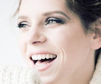 Firma de cosmética Ella Baché: Tratamientos y Productos  de Centro Estético Gabriella Álvarez
