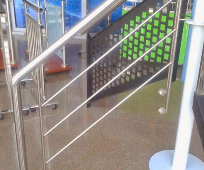 Acero inoxidable puertas y trabajos especiales: Puertas automáticas  de Farem Puertas Automáticas