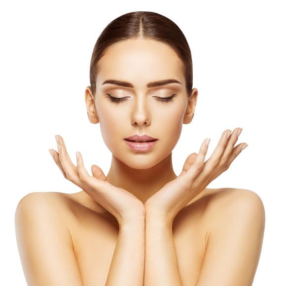 Masaje facial Kobido contorno de ojos: Servicios de MasBella