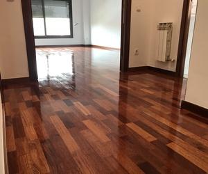 Instalación y pulido de suelos de madera