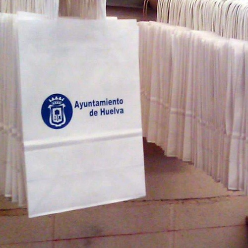 Fabricamos bolsas de plástico para instituciones, comercio, industria...