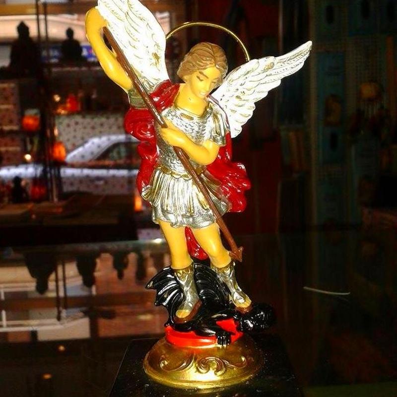 Imagen Arcangel Miguel: Cursos y productos de Racó Esoteric Font de mi Salut