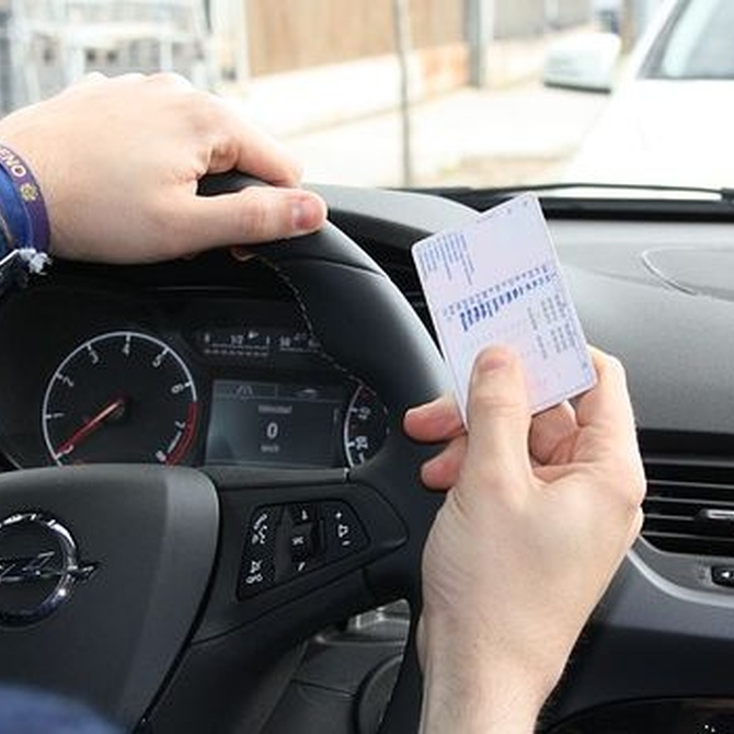 ¿Cuándo tengo que renovar mi carnet de conducir?