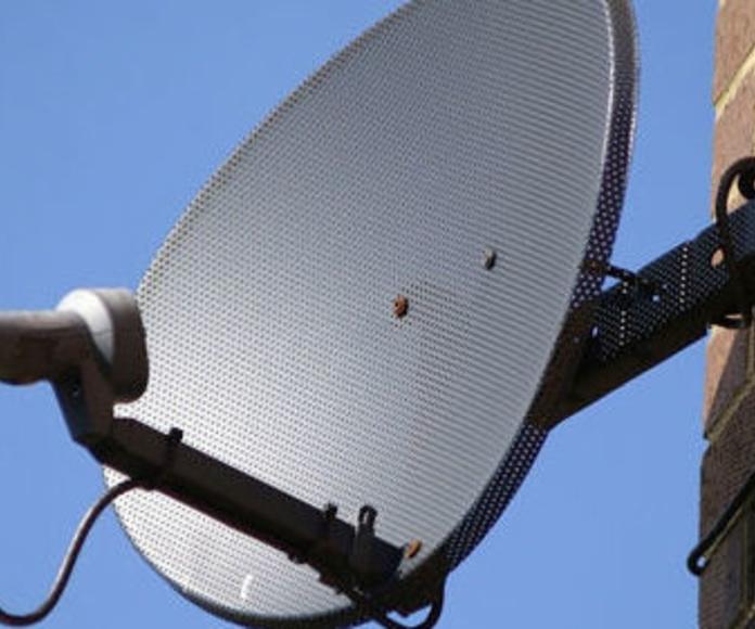 Antenas: Servicios de Radio TV Piñol