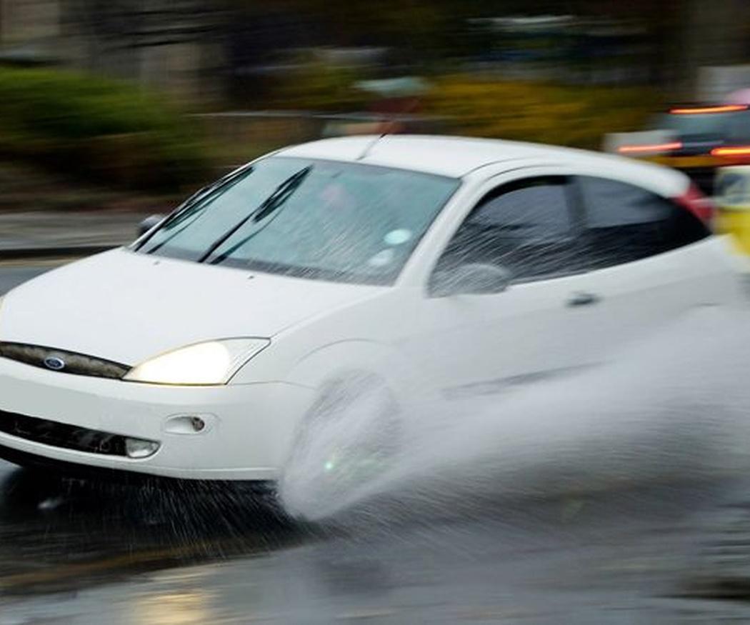 Recomendaciones para una conducción segura con lluvia