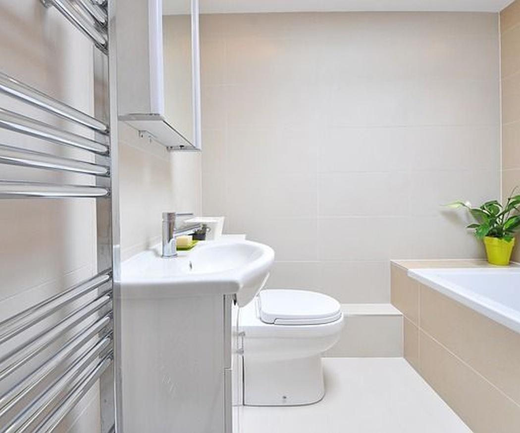 ¿Cómo aprovechar el espacio en un baño pequeño?