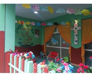 Todos los productos y servicios de Escuela infantil bilingüe en Córdoba: Jugando en Azahara