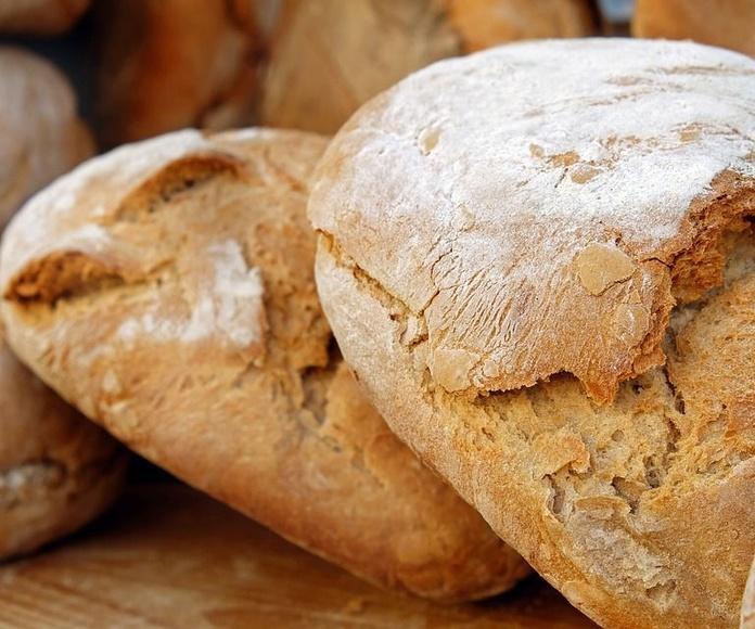 Elaboración de panes: Servicios de Panadería Miguel