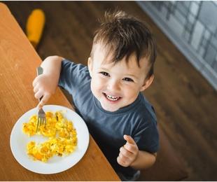 La importancia de aprender a comer bien desde pequeños