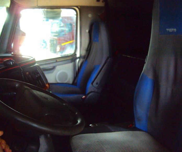 Volvo FH12 500: Servicios de Talleres Joaquín López, S.L.