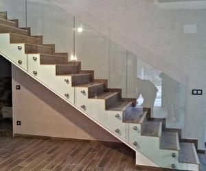 Galería de Escaleras en    CARPINTERIA MAZUSTEGUI S.L
