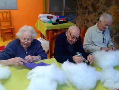 Preparando la Navidad en la Residencia Geriátrica El Pinar (II)