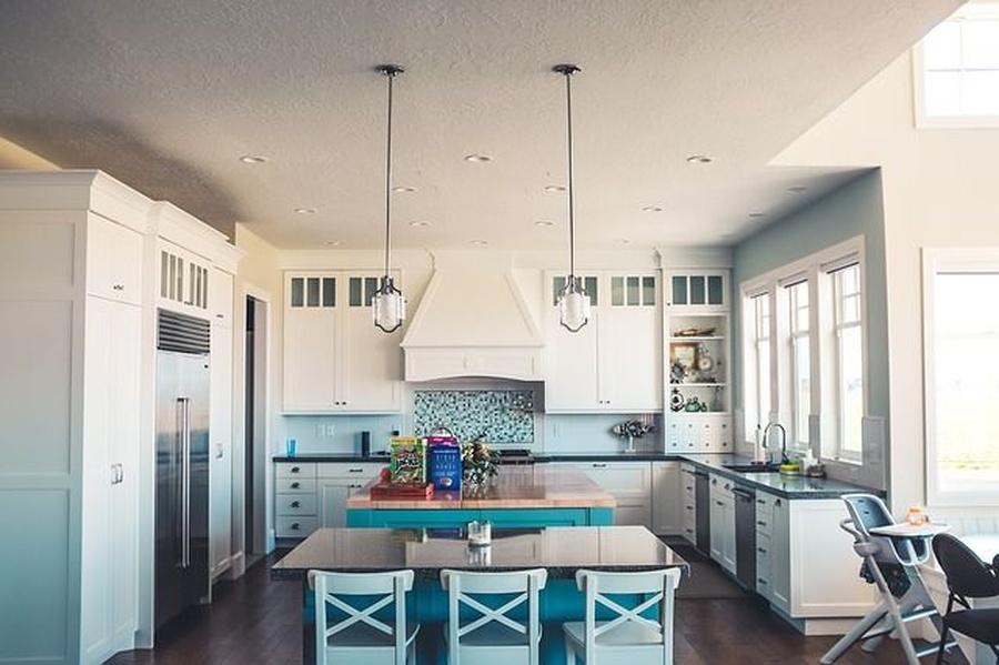 El uso de vinilos en los muebles de cocina