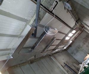 Fabricación e instalación de conductos de chapa y fibra