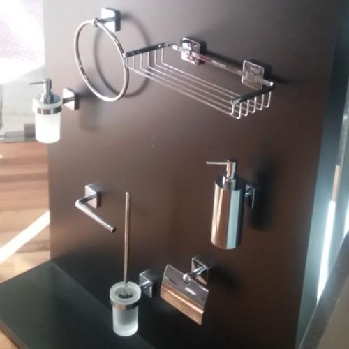 Accesorios para cuartos de baño en Málaga