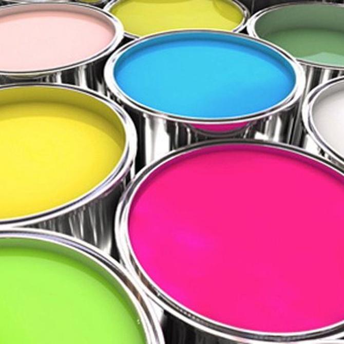 ¿Por qué decorar con pinturas plásticas?
