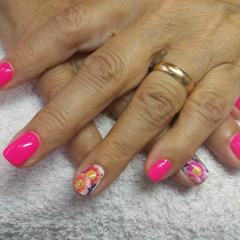 Uñas: Nuestros servicios de Patri&cia, Belleza y uñas