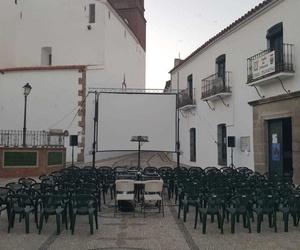 Montaje de infraestructuras para fiestas en Sevilla