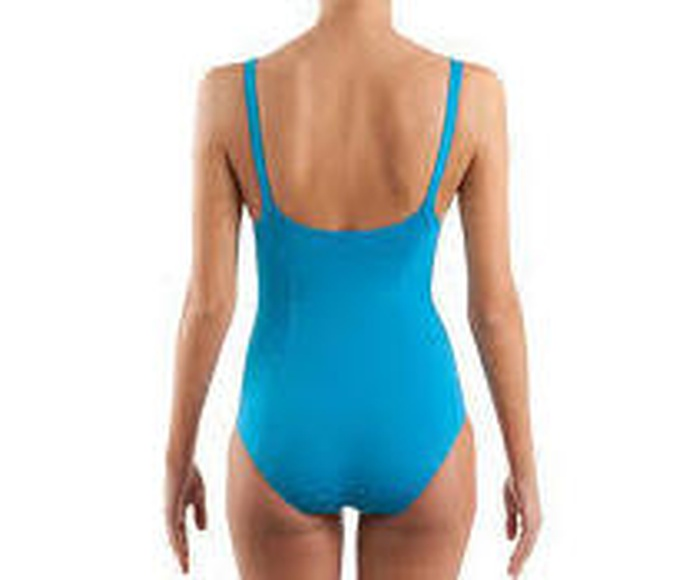 Fortalecer la espalda nadando