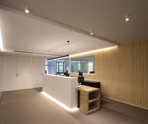 AR168 Diseño y reforma de oficinas