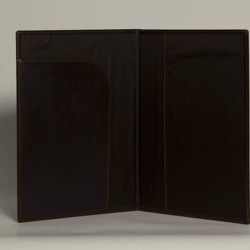 Portafolios PF-01636: Catálogo de M.G. Piel