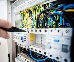 Una correcta instalación de electricidad en la vivienda es la que cuenta