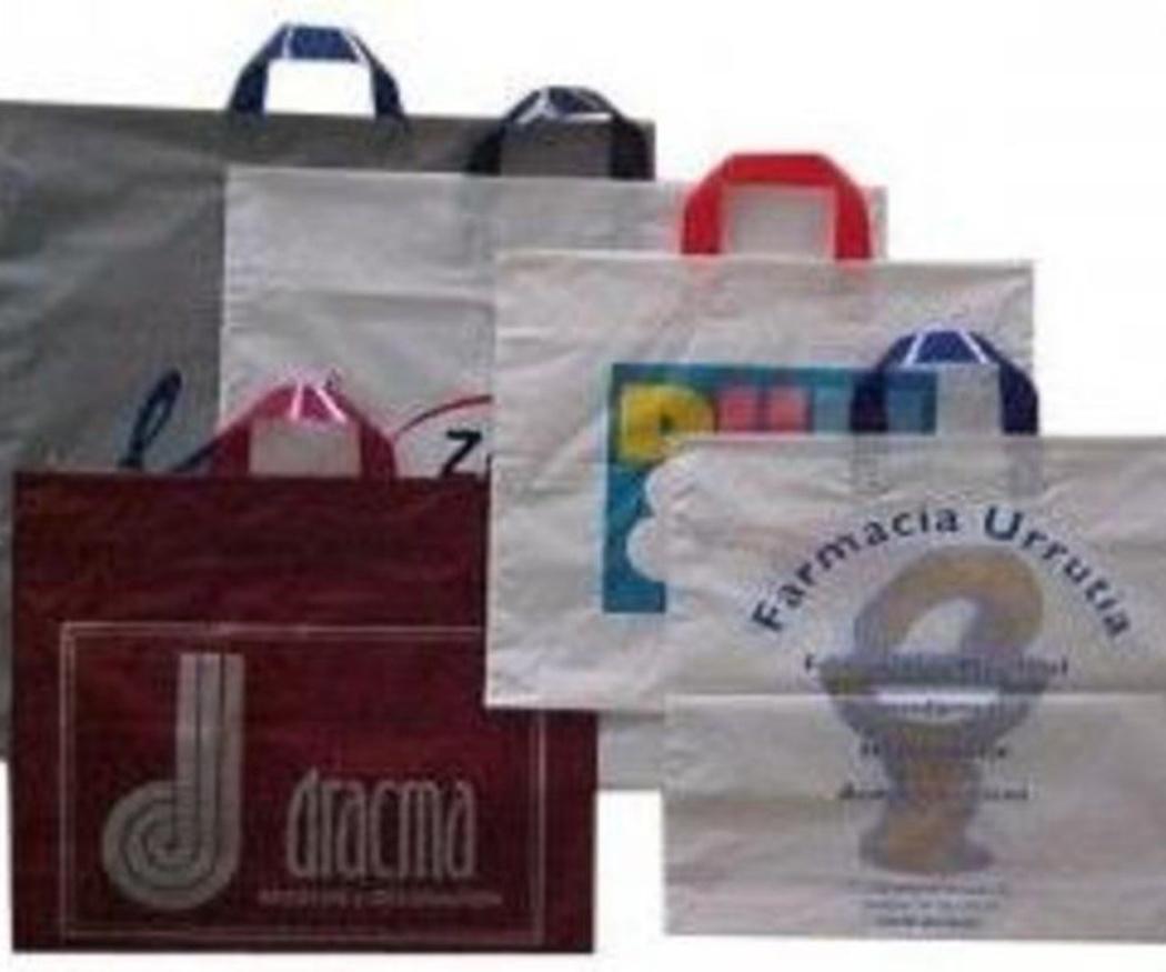 ¿Sabes dónde surgieron las bolsas de plástico?