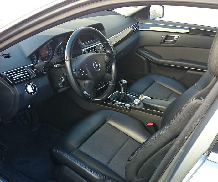 TAXI DE 5 PLAZAS: Mercedes E 250 CDI Avantgarde: Servicios  de Autotaxi Eliseo