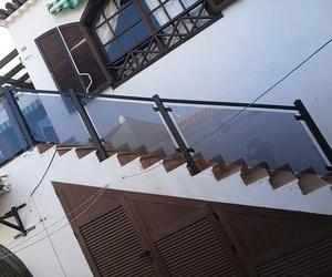 Escaleras de aluminio y cristal