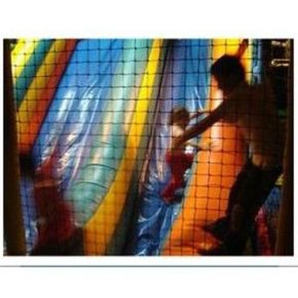 Zona de juego de 0 a 3 años: Servicios de Txikiguay Urbil