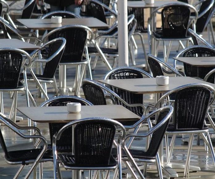 Mesas y sillas: Productos y servicios de Frisa