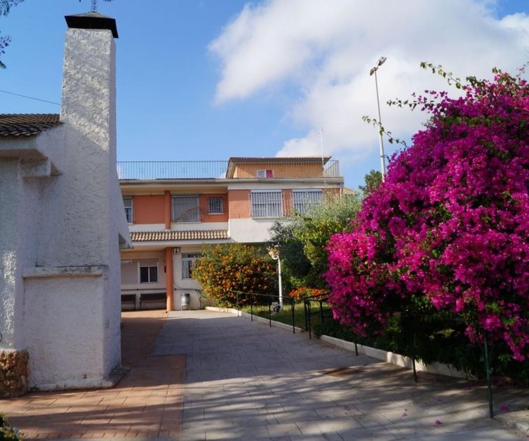 Residencias de tercera edad en Valencia con zonas ajardinadas