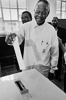 26 de abril de 1994 se celebran las primeras elecciones multirraciales en Sudafrica