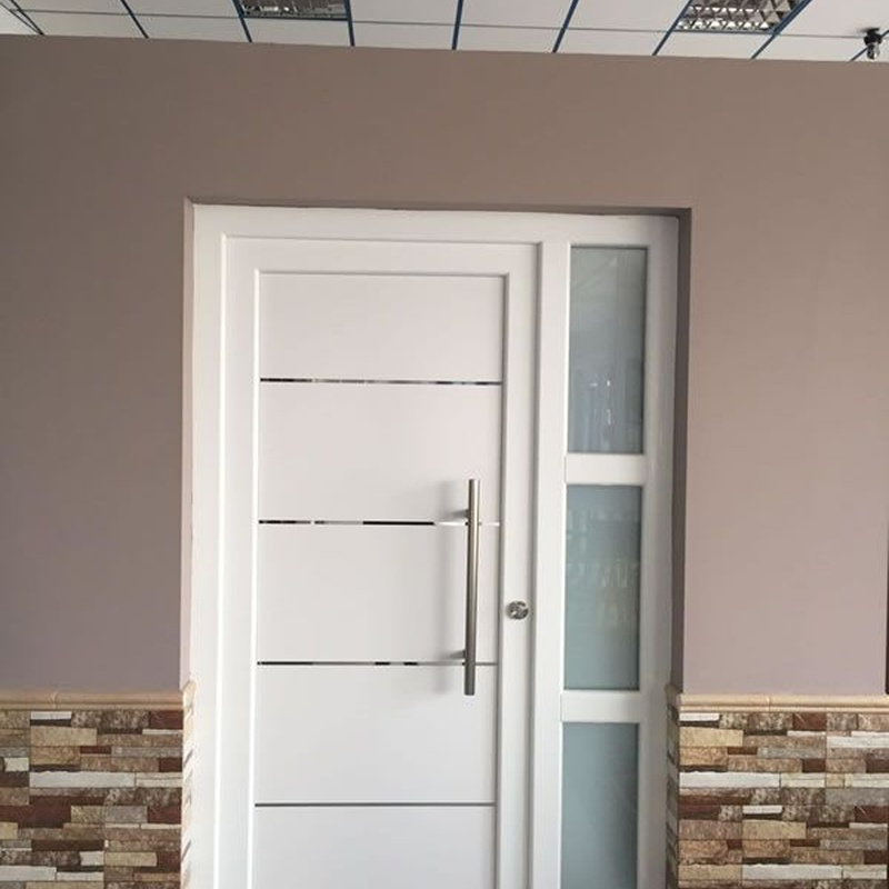 Puertas de entrada: Productos de Lavín Decoraciones y Montajes, S.L.