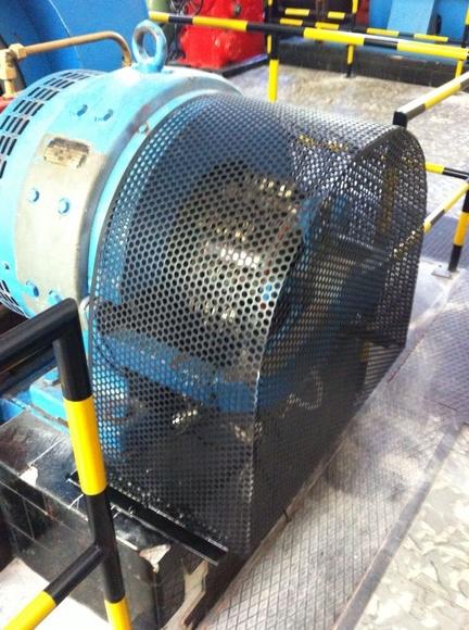 Protecciones de seguridad para máquinas : TRABAJOS de Carpintería Metálica Hialupin