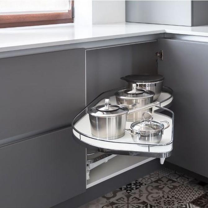 Organización de armarios y cajones en la cocina