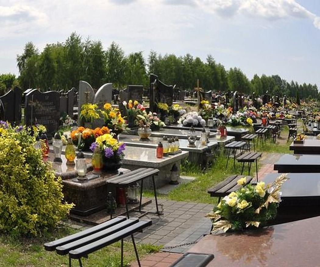 Cómo elegir la corona funeraria más indicada