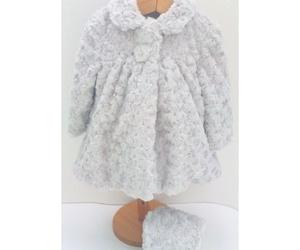 Abrigo con capota de pelo gris de Yoedu