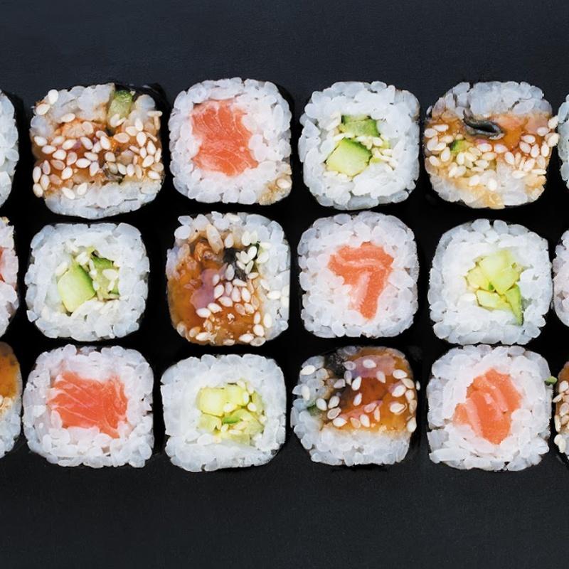 Maki variado: Carta y menús de Yoshino