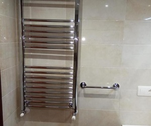 Cuarto de baño reformado por Gresastur