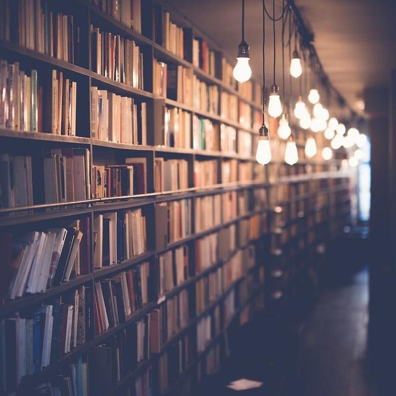 Lengua y Literatura: Especialidades de Academia 21 Oposiciones
