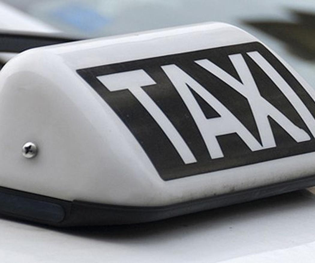 Viajar en taxi con niños