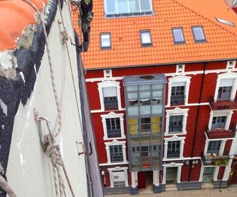fachadas de tejas, desprendimientos, goteras, problemas de humedad,  .: Trabajos verticales Santander  de Trabajos Verticales Cantabria