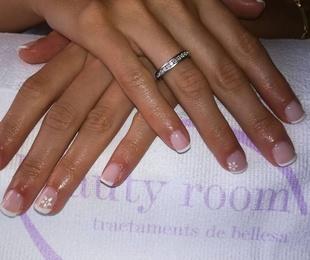 Semipermanente de uñas