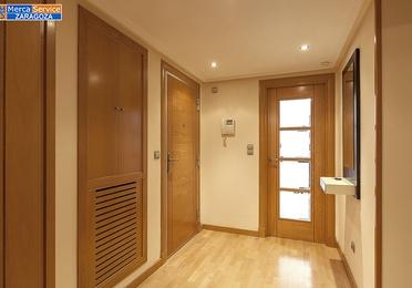 Exclusiva vivienda amueblada de  2 dormitorios en urbanización de lujo